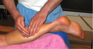 achterzijde been massage